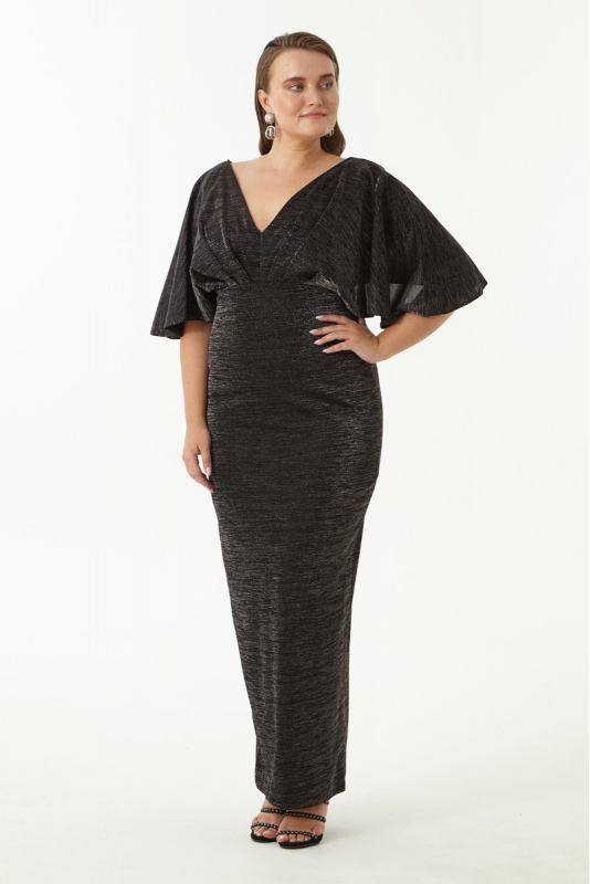 Black plus size knitted short sleeve maxi dress